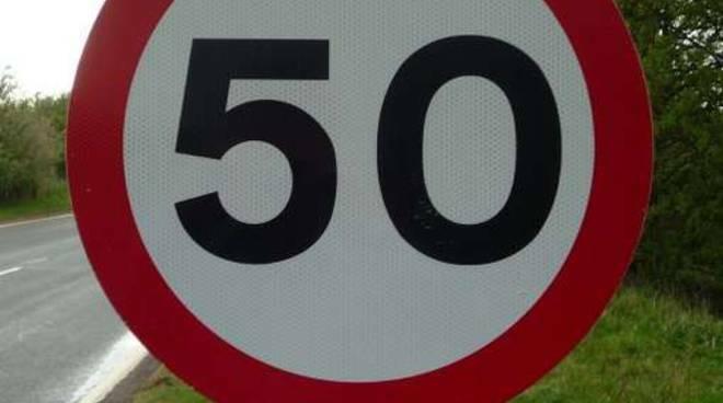 limite 50 all'ora velocità