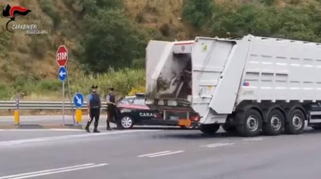 rifiuti avr carabinieri