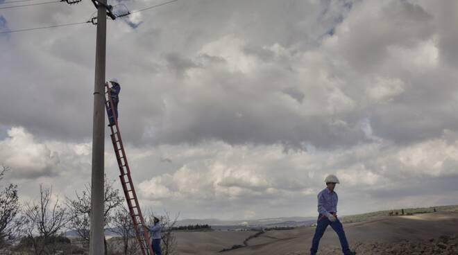 Tecnici E-distribuzione rete elettrica