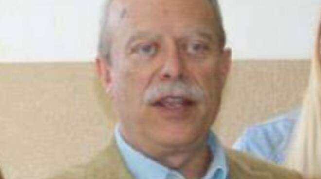 Claudio Caraceni lutto professore Itc Carrara
