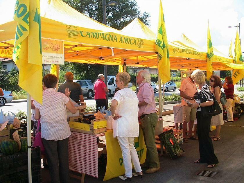 Coldiretti mercato Campagna Amica Lucca