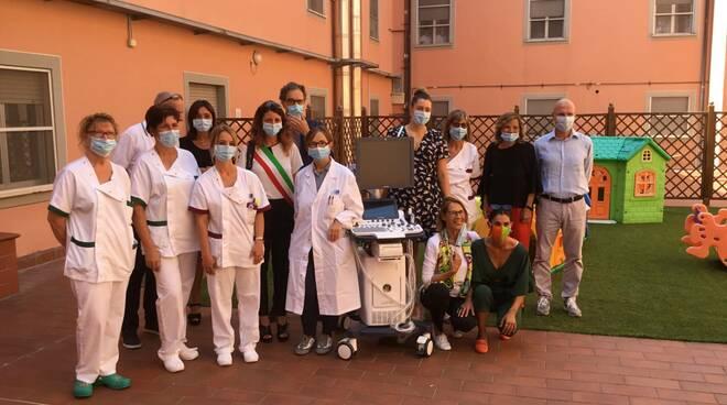 Ecografo donato dal gruppo Kedrion alla pediatria dell'ospedale San Francesco di Barga