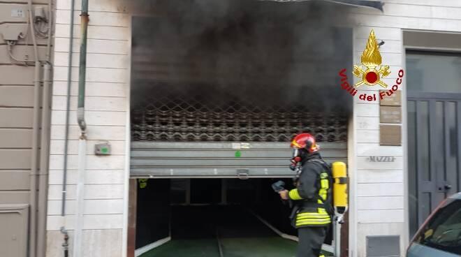 incendio Pontedera negozio via I Maggio