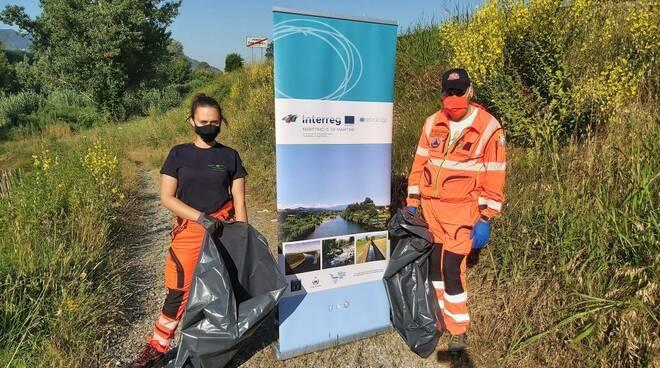 lotta plastica rifiuti spiagge consorzio di bonifica sabato ambiente