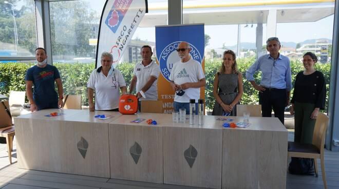 Luccasenzabarriere conferenza tre anni donazione defibrillatore Cnv Mirco Ungaretti Onlus