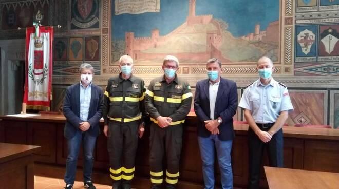 Nicola Ciannelli comandante vigili del fuoco di Pisa da giugno 2020 con giglioli e capecchi