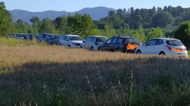 parcheggio selvaggio San Pietro a Vico parco fluviale