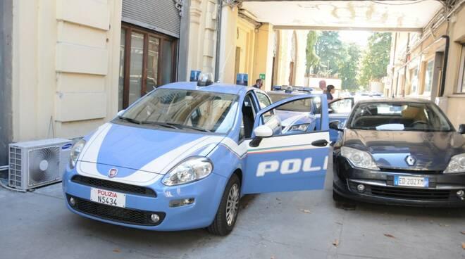polizia arresto lucca