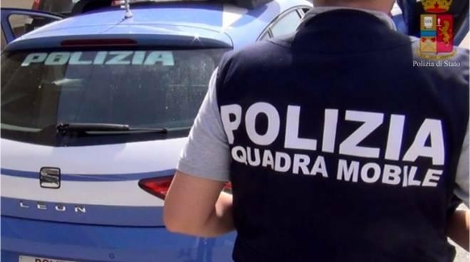 polizia squadra mobile Lucca