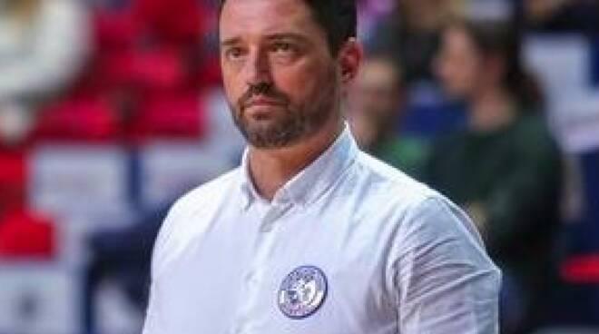Alberto Tonfoni allenatore Basketball Club Lucca