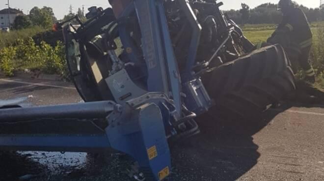 incidente trattore cascina 25 agosto 2020