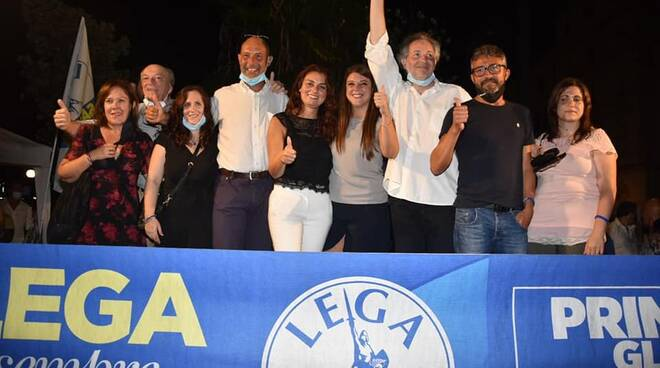 Lega piazza Campioni palco Susanna Ceccardi candidati regionali 2020