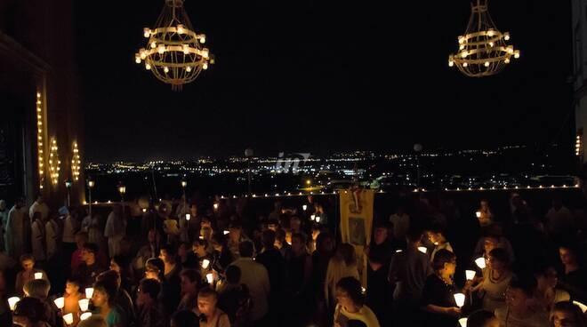 luminara santa maria a monte festa dell'assunta 14 agosto