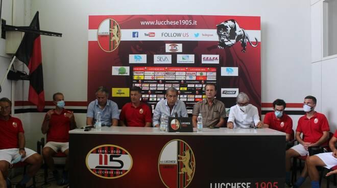 staff tecnico della Lucchese in serie C