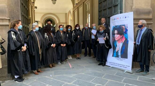 avvocato Ebru Timtik presidio tribunale Lucca