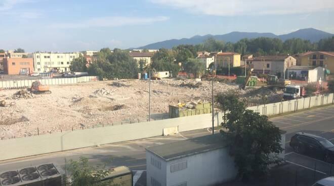 demolizione Marcatone Uno Sant'Anna
