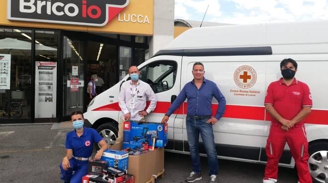 donazione Brico Io Croce Rossa di Lucca