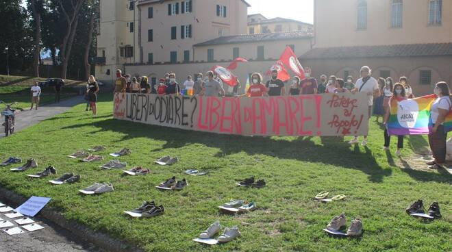 flash mob ddl Zan piazzale Arrigoni arcivescovato