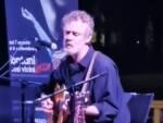 Glen Hansard canta Bob Dylan al Lontani così vicini Lucca Fest