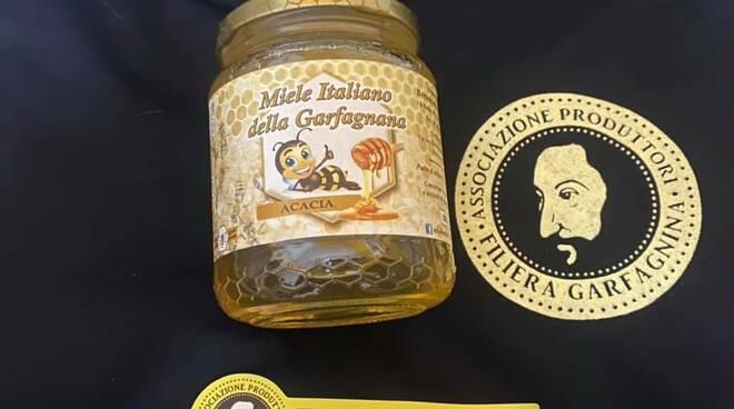 Il miele di Federico Bertoncini premiato con 2 gocce d'oro
