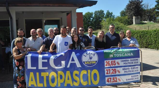 Lega Altopascio striscione Salvini