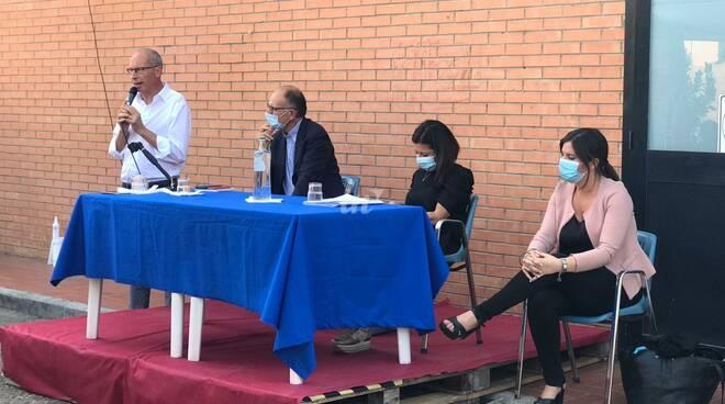 Paola de Micheli e Enrico Letta con Andrea Pieroni e Alessandra Nardini