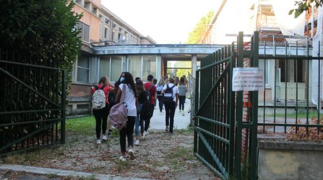 scuola apertura Ite Carrara