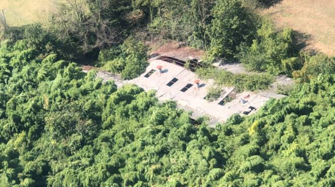 sequestro Camaiore area abbandonata eternit