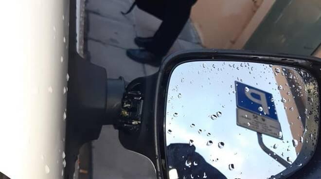 auto della polizia municipale danneggiate a montopoli valdarno