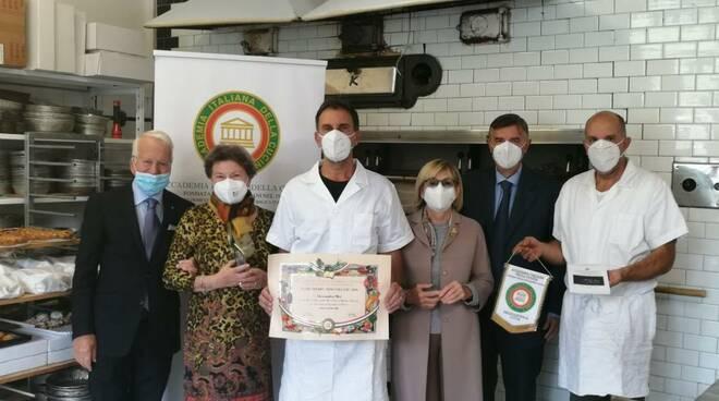 consegna premio Dino Villani al forno Mei