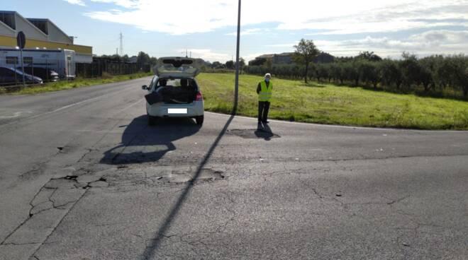incidente confine Lucca Capannori