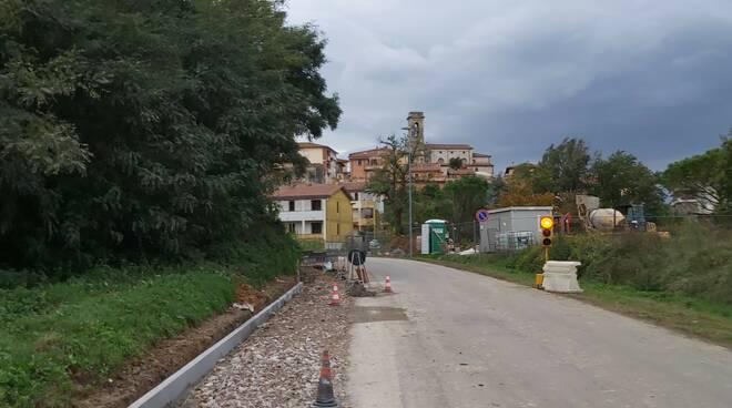 lavori via cimitero Montecalvoli