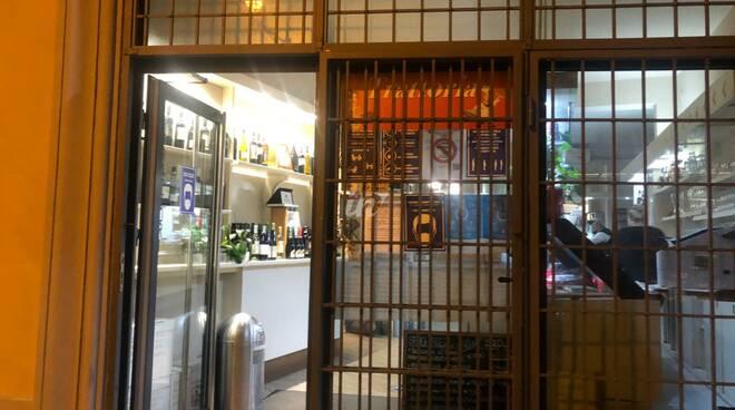 negozi chiusi nel centro storico di san miniato