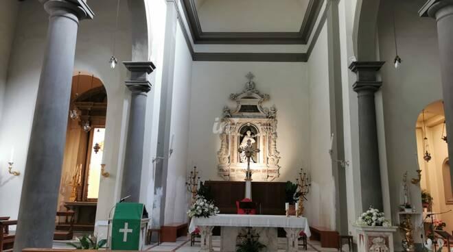 organo e interno chiesa Collegiata san lorenzo di Santa Croce sull'Arno