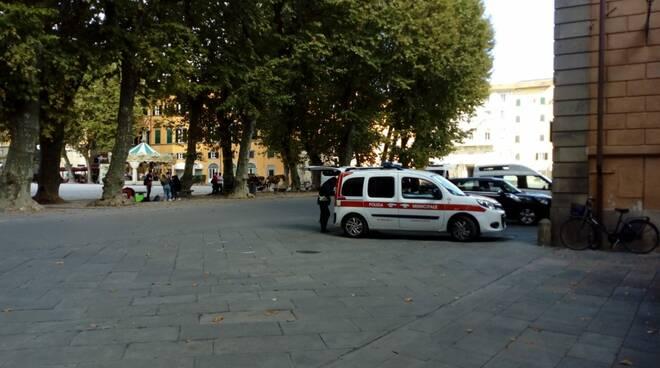 rilievi polizia municipale Cortile degli Svizzeri