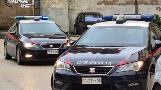 tentato furto postamat carabinieri lucca