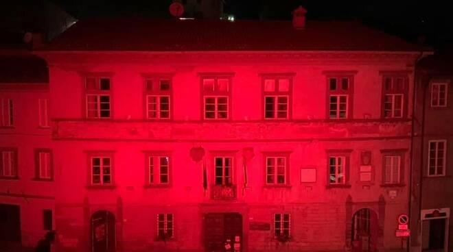 Comune Castiglione rosso violenza donna