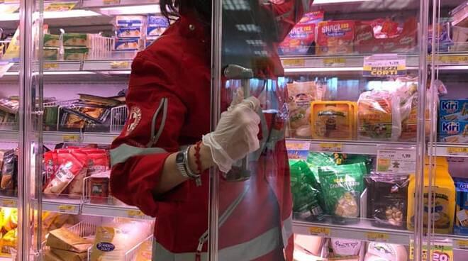 Croce Rossa consegna spesa a domicilio