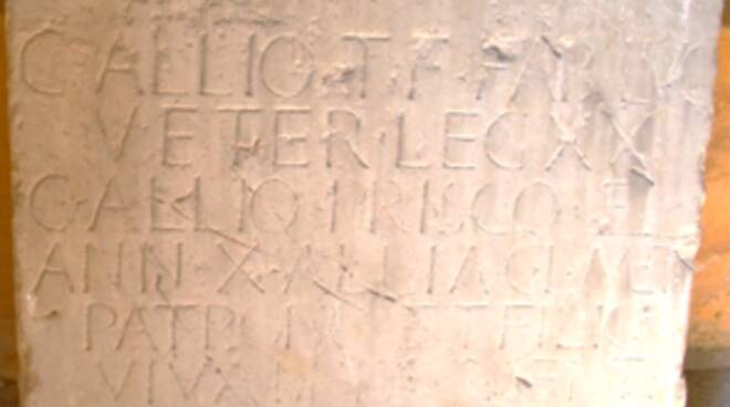 epigrafe domus