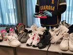 GdF Pisa scarpe contraffatte vendute on line con gli influencer