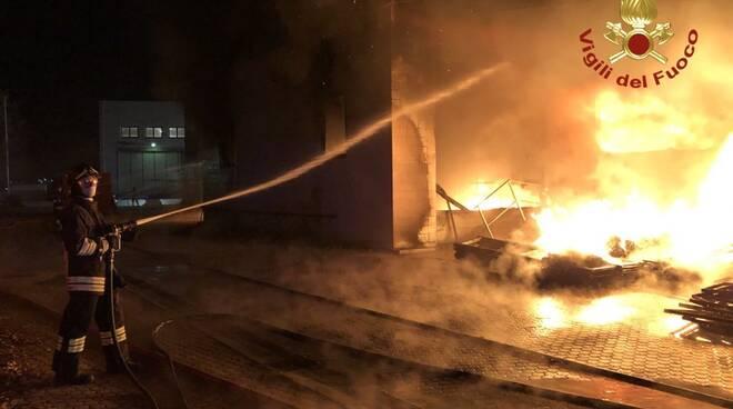 incendio terrafino empoli 23 novembre 2020