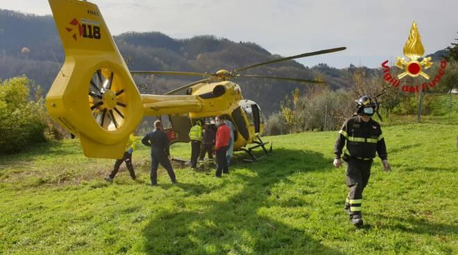 Incidente a Vernio uomo ferito mentre raccoglie le olive