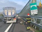 incidente autostrada A12 Ronchi auto tir