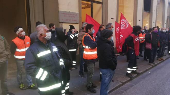 manifestazione lavoratori sittel cgil a firenze 25 novembre 2020