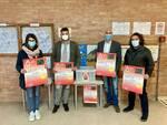 Noi di Viale Italia consegnano i contenitori alle scuole di castelfranco di sotto