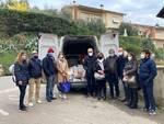 Arco di Castruccio dona pacco alimentare