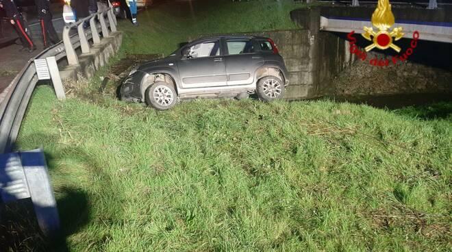 auto in bilico a Montemurlo