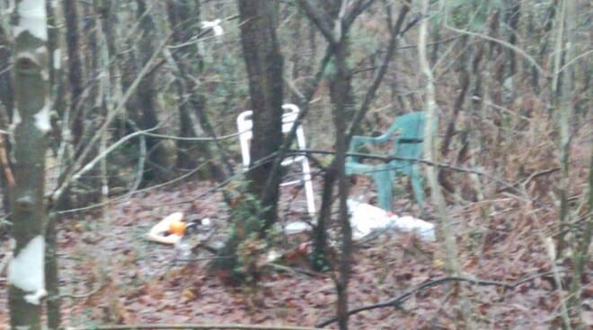 bivacco di spacciatori droga nel bosco delle cerbaie
