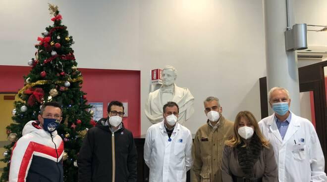 Diego Petrucci, consigliere di Fratelli d'Italia, all'ospedale di san miniato
