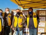 Donazione Lions pacchi di generi di prima necessità